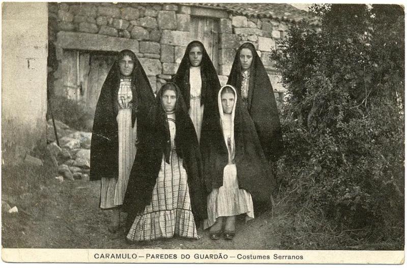 Costumes Serranos.jpg